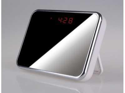 Đồng hồ để bàn Q3